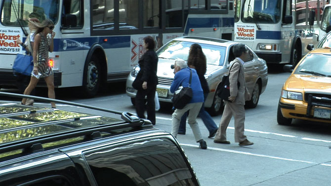 Bill Cunningham in action in the streets of New York